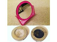 Mirror and two Accessories Eye Shadows