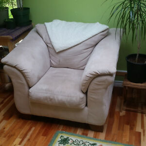 Super Comfy Microfiber Armchair - Pick up Only