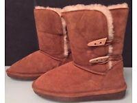 Women's 'BEARPAW' Sheepskin Suede Boots Size 3 BNWT Tan