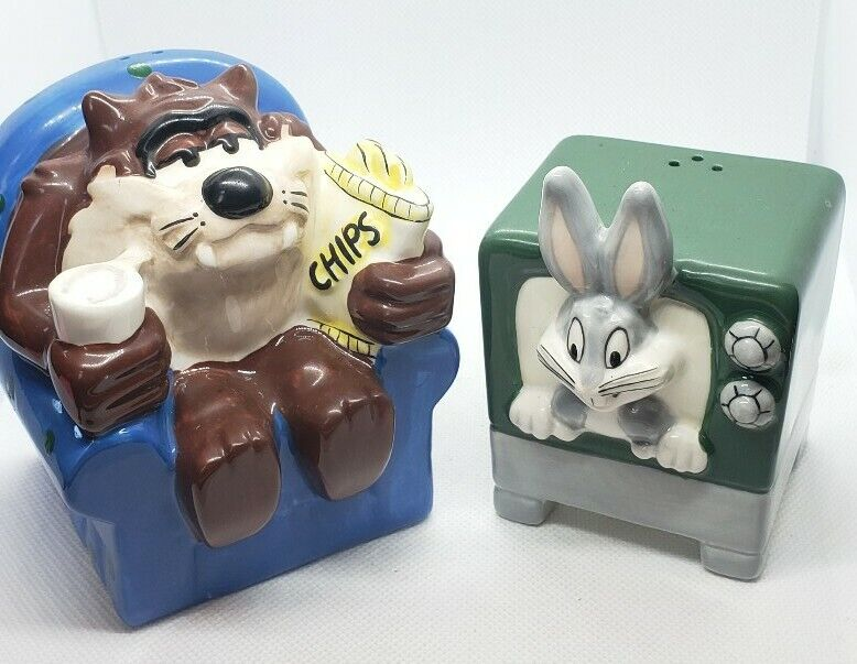 Looney Tunes Taz Watching Bugs On Tv Salt And Pepper Shaker 1995 WB