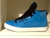 ADIDAS HIGH TOP TRAINERS SIZE 6 BLUE SUEDE immaculate