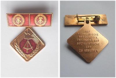 DDR Medaille Auf sozialistische Art zu Arbeiten East german medal Socialist work