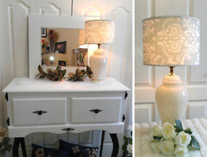 Lovely! Gorgeous 3-Way Glass Table Lamp (TEXT/CALL pls)