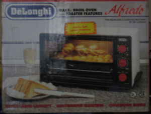 small countertop oven with pizza stone