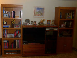 2 Bookcases + TV cabinet, Qty 3