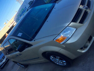 2010Grand Caravan  ACCIDENT FREE WITH SEAFTY + 2YEARS WARRANTT