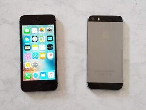 iPhone 5S Space Gray 16GB with Fido in mint condition.