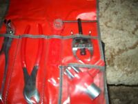 NEW NEVER USED SNAPON 5 PIECE BATTERY TOOL SET #2005BSKA