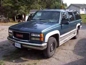 1995 GMC Suburban   REDUCED   3200.00