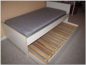Ikea TWIN trundle bed - 2 beds in one! Spring-coil mattress also