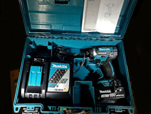"""Makita 18V  Lithium‑Ion Cordless 1/4"""" Impact Driver Kit (3.0Ah)"""