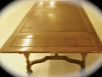 OAK DINING TABLE  --ANTIQUE