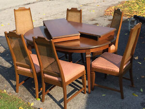 NEW PRICE!!! Beautiful Dining Table Set Peterborough Peterborough Area image 1
