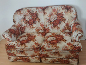 Love seat - solid and good shape