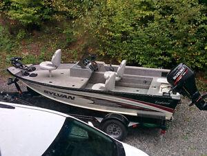 Fishing Boat / Bateau de Peche Sylvan Explorer 1600SC