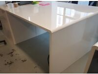 21x Individual White Office Desks - £500 FOR THE SET