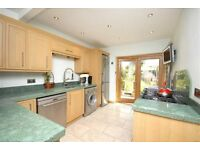 Spacious, Bright 4 Double Bedroom House Located In The Vale, Golders Green. Available Immediately.