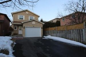 3 Bedroom Fully Detached House - in-law suite in basement