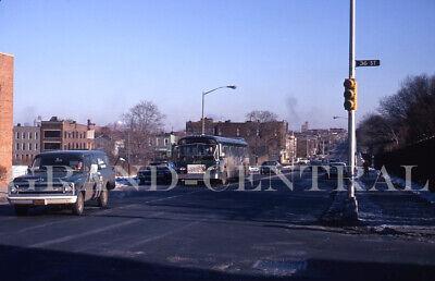ORIGINAL 1971 NYCTA NEW YORK CITY BUS KODACHROME SLIDE #4072 QUEENS NY
