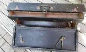 CARPENTERS VINTAGE TOOL/SAW BOX
