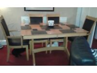 Beautiful Extending Dinning Table & 4 Chairs 2 Carvers