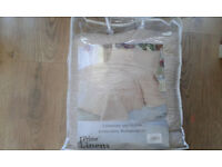 Bedspread and 2 pillow cases, natural beige, kingsize