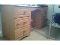 PINE EFFECT DRESSING TABLE £10.00