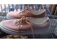 brand new size 11 mens vans shoes
