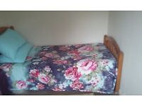 Small Box room available in Feltham - Close to Heathrow Airport-****350/-PM****