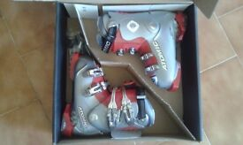 Ski Boots - Brand NEW - Atomic GS 9 Junior Ski Boots still in the box!