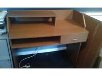 Childs desk buyer collects from Hornchurch
