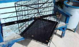 Small slanted car boot cage / crate / carrier