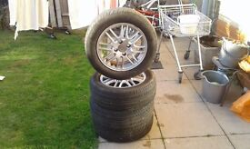 Ford focus alloy wheels in good condition tyre size 195/60r/15