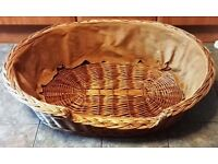 EXTRA-LARGE WICKER OVAL PET / DOG BASKET 40""
