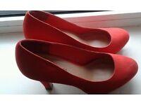 Red Heels, 6