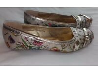 Ladies Pavers Flat Shoes Size 5