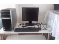 Excellent Packard Bell and LG monitor for Sale