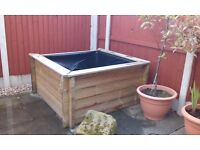 QUALITY SOLID WOOD SQUARE PATIO POND 260 GALLON 1.5 X 1.5 M,HEIGHT 32 INCH APP GOOD USED CONDITION