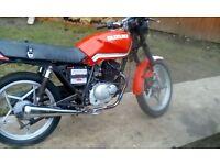 Suzuki GS 125 motorbike