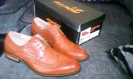 brand new! size 10 mens shoes
