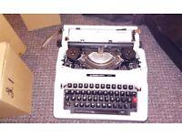 Silver reed typewriter 500