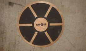 Klarfit Balance Board Wobble Board (Slip-resistant surface & 10-150kg Max Load)
