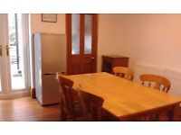Impressive double rooms in beautiful spacious very quiet clean three bedroom NON-SMOKING house