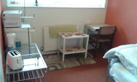 CLEAN DOUBLE ROOM £350PM ALL INC £100 DEPOSIT, OFF GIPSY LANE LE4 7BZ, SUIT CLEAN EMPLOYED TENANT