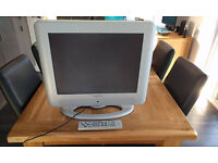 """Hitachi 20"""" PC monitor / TV. Full working order. Remote & freeview. Bargain £25"""