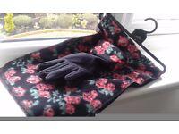 Ladies Scarf & Glove set