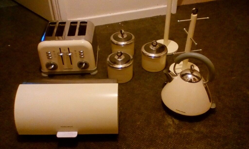 Reduced Morphy Richards Cream Set Kettle Toaster Mugtree Towel Pole Bread Bin 3 Canisters In Stalham Norfolk Gumtree