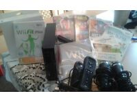 Nintendo Wii , Wii Wheel, Microphones and 7 Wii Games for sale ***REDUCED REDUCED ******