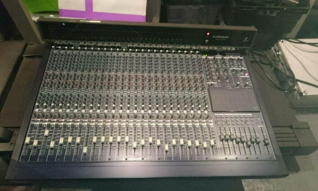 Eurodesk mx8000
