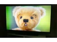 Hitachi 42 inch Smart TV, full HD, internet, Freeview HD TV, remote